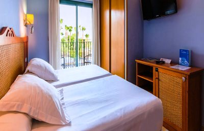 HOTEL LA LAGUNA SPA & GOLF 4*
